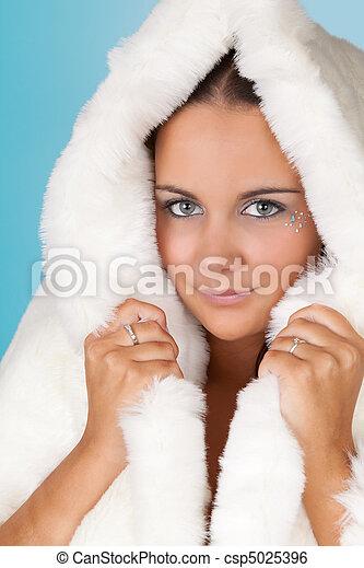 image de hiver femme fourrure manteau hiver girl blanc csp5025396 recherchez des. Black Bedroom Furniture Sets. Home Design Ideas