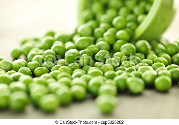 Spilled bowl of green peas - csp5026202