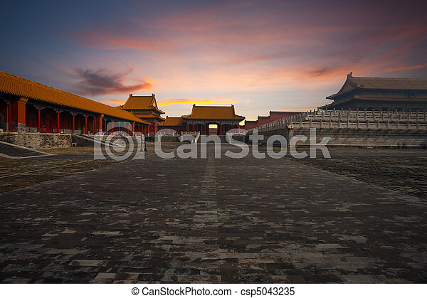 Sunrise Gate Forbidden City Supreme Harmony - csp5043235