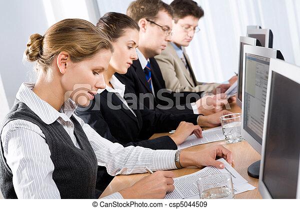 Business training  - csp5044509
