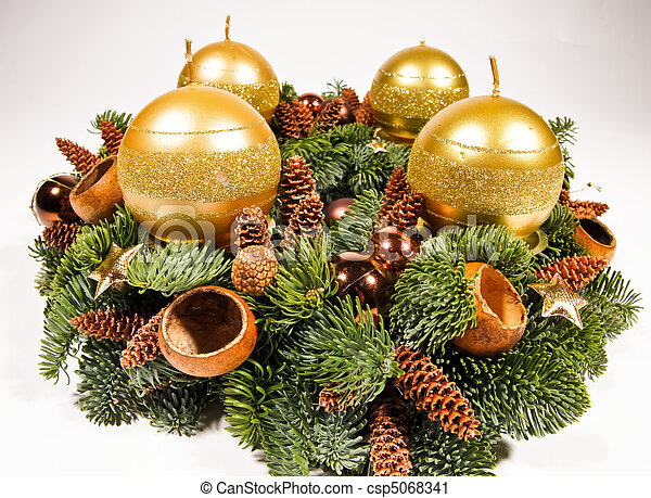 stock fotografie von gold advent kranz weihnachten advent kranz dekoration csp5068341. Black Bedroom Furniture Sets. Home Design Ideas