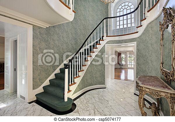 Im genes de verde vest bulo escaleras vest bulo con - Escalera exterior para segundo piso ...