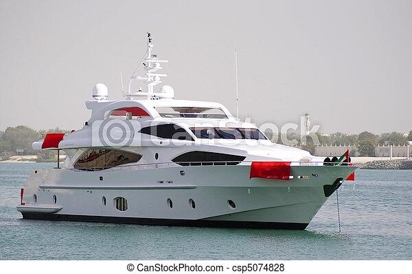 Yacht crusing in Ocean - csp5074828