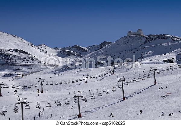 Sierra Nevada ski resort - csp5102625