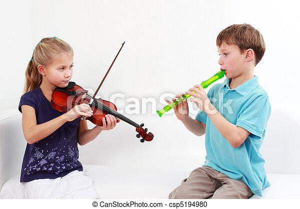 crianças, tocando, Flauta, violino - csp5194980