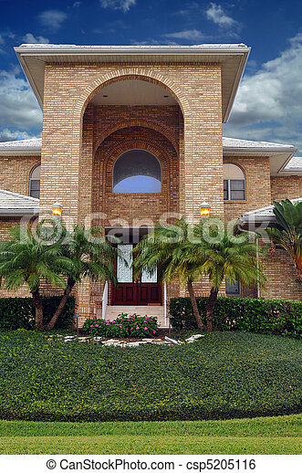 Elegant waterfront home  - csp5205116