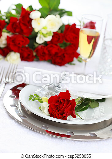 Fine place setting csp5258055 Festive table setting for wedding