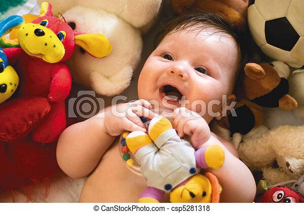 嬰孩, 微笑, 圍繞, 玩具 - csp5281318