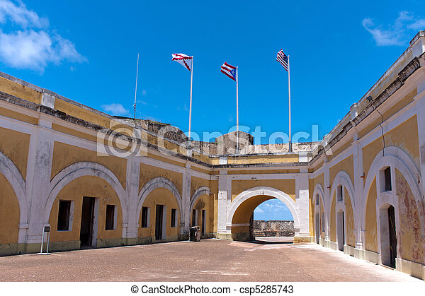 El Morro Fort Interior - csp5285743