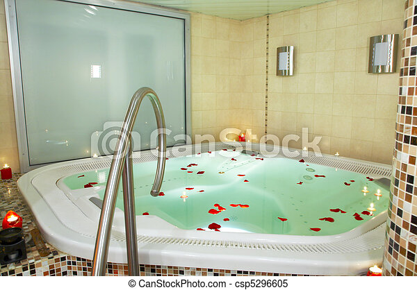 images de bain jacuzzi p tales roses csp5296605 recherchez des photographies des photos. Black Bedroom Furniture Sets. Home Design Ideas