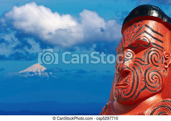 Traditional maori carving, New Zealand - csp5297710