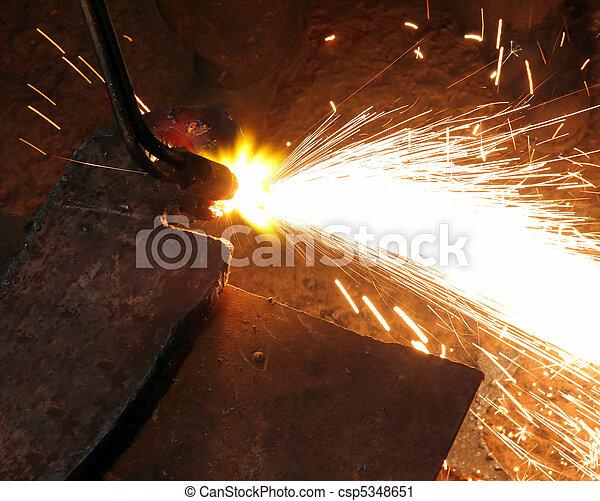 metall cutting with acetylene welding - csp5348651