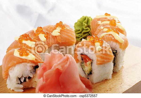 Sushi sake Futomaki - csp5372557