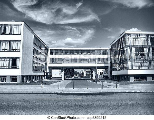 Pel culas de dessau bauhaus el bauhaus edificio en for Bauhaus berlin edificio