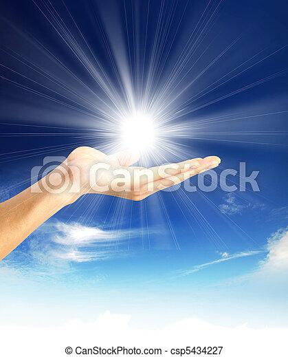 太陽, 手 - csp5434227