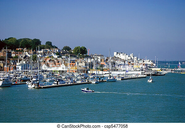 View of the Harbour at Cowes, Isle of wight - csp5477058