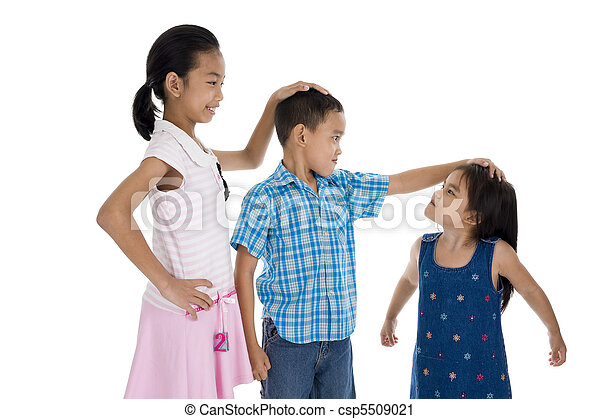 children with different sizes - csp5509021