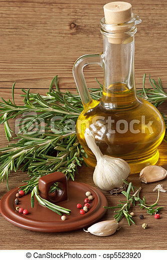 Olive oil and garlic. - csp5523920