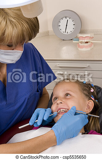 dentist - csp5535650