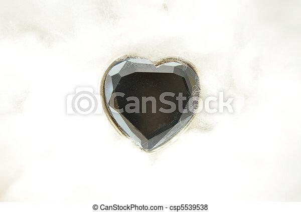 Coração, vidro, algodão - csp5539538