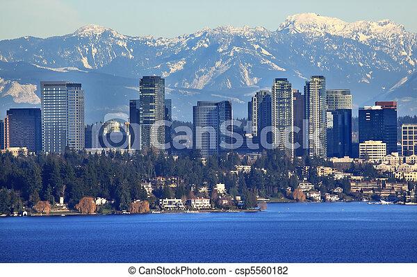 Bellevue Lake Snowy Cascade Mountains Washington State - csp5560182