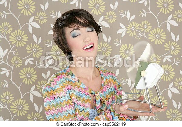 Retro air fan 60s vintage woman portraitl wallpaper - csp5562119