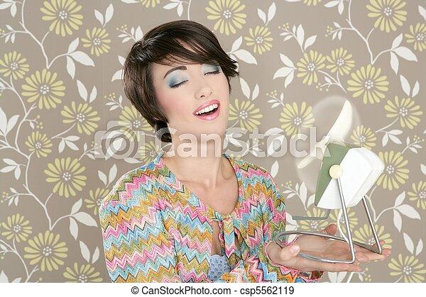 Retro air fan 60s vintage woman portraitl wallpaper - csp5562119