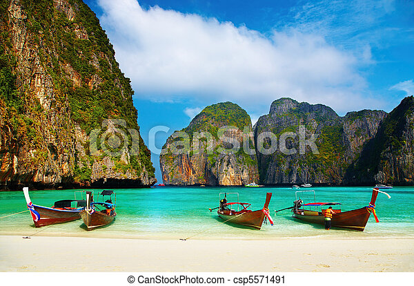 Tropical beach, Maya Bay, Thailand - csp5571491