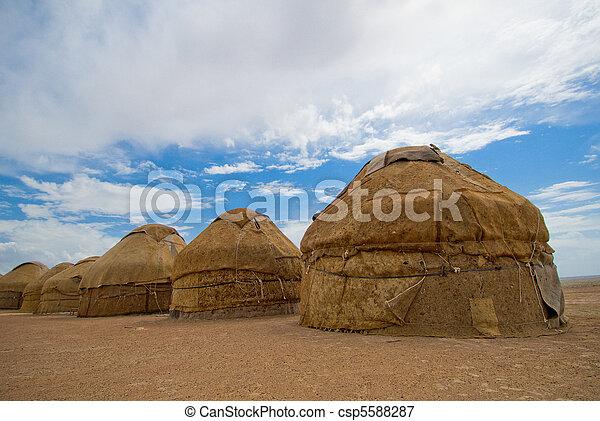 yurtas, tradicional, Casas, de, asiático,  nomades - csp5588287