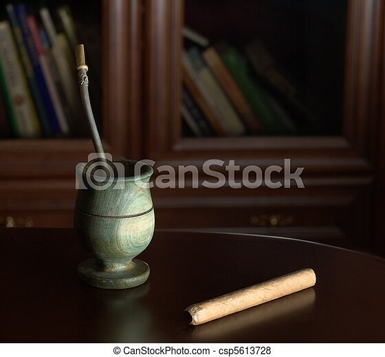 Yerba mate and cigar for relaxation - csp5613728