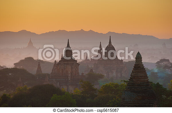 Sunrise over ancient Bagan, Myanmar - csp5615087