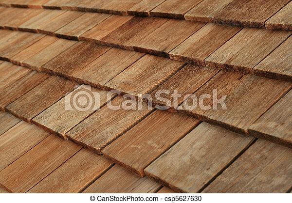 stock fotografie von holz dach schindeln diagonal detail von brauner csp5627630. Black Bedroom Furniture Sets. Home Design Ideas