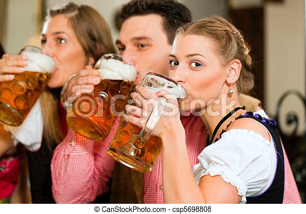pessoas, bebendo, Cerveja, Bavarian, bar - csp5698808