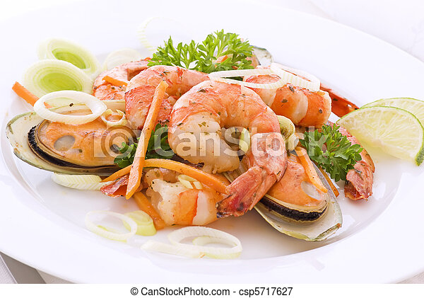 Shrimps and Mussels - csp5717627