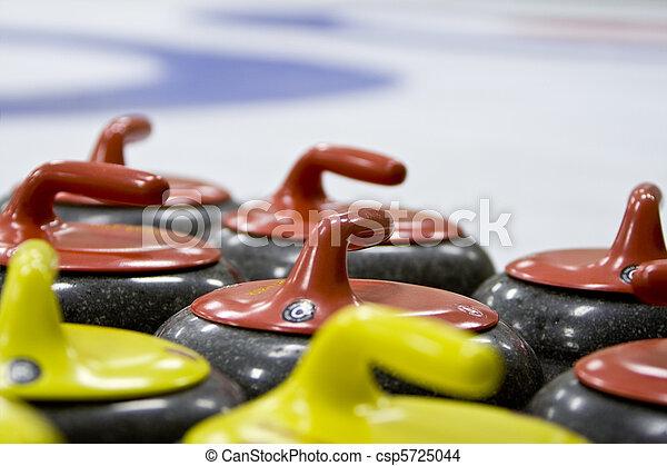 Grupo, granito, curling, pedras, em, gelo, rink - csp5725044