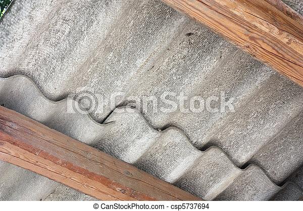 photo de amiante toit amiante ciment panneaux ondul toit csp5737694 recherchez. Black Bedroom Furniture Sets. Home Design Ideas