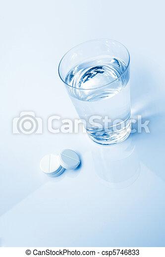 Aspirin Glass - csp5746833