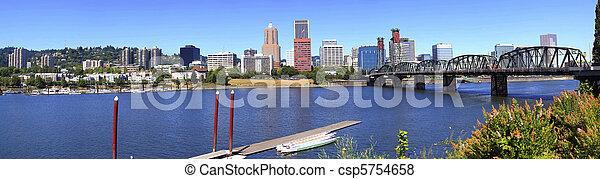 Portland Oregon panorama. - csp5754658