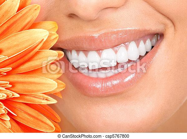 微笑, 牙齒 - csp5767800
