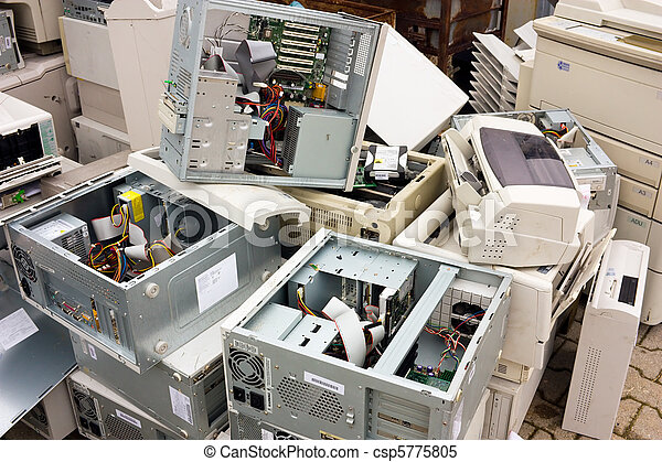 electronic waste - csp5775805
