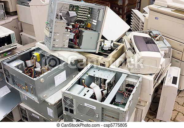 electronic waste - csp5775805