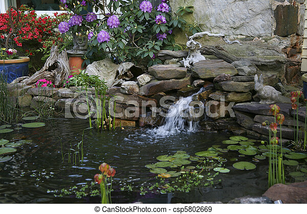Stock fotografieken van kleine vijver waterval kleine for Vijverrand maken