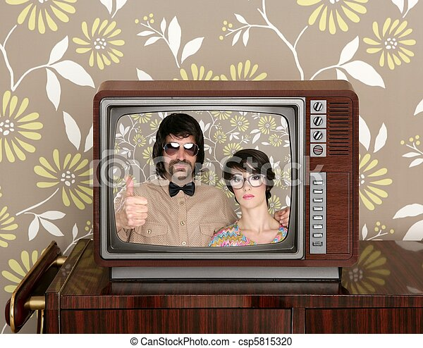 wood old tv nerd silly couple retro man woman - csp5815320