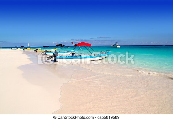 boats in tropical beach  Caribbean summer - csp5819589