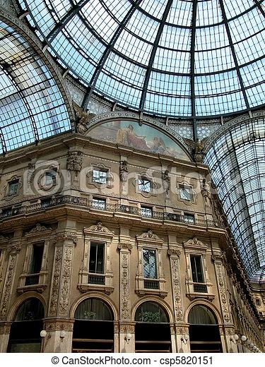 Gallery Vittorio Emanuele II, Milan - csp5820151