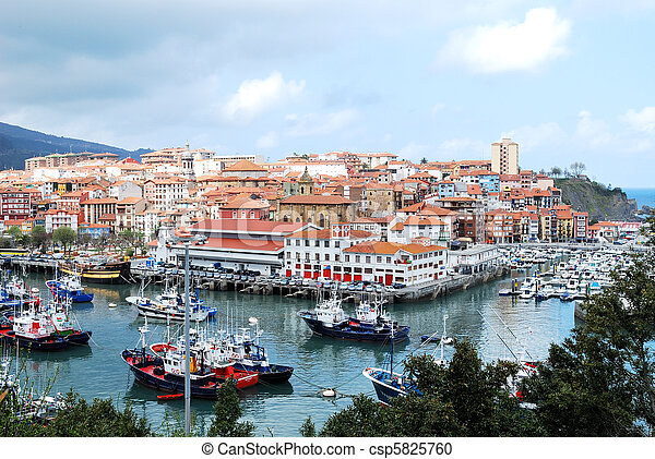 Bermeo, Basque Country, Spain - csp5825760