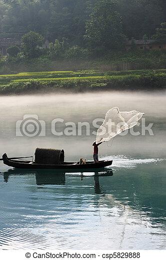 pescador, rede, Rio, lançando - csp5829888