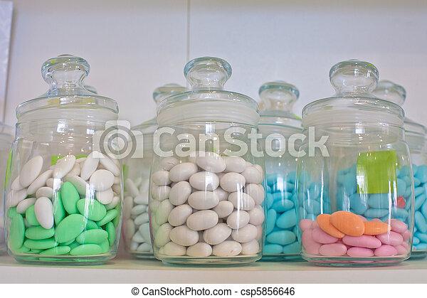 image de verre pot color pilules vendange pharmacie verre csp5856646 recherchez. Black Bedroom Furniture Sets. Home Design Ideas