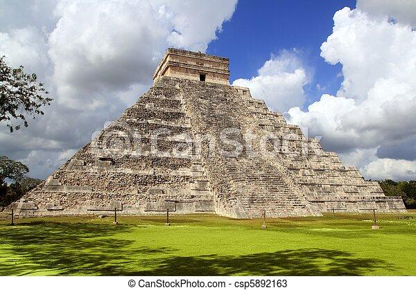 Ancient Chichen Itza Mayan pyramid temple Mexico - csp5892163