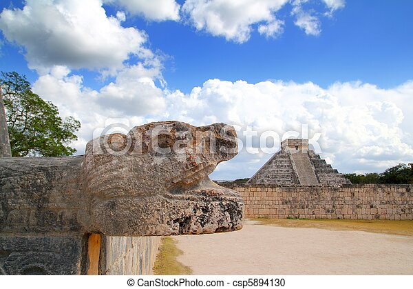 Chichen Itza Jaguar and Kukulkan Mayan temple pyramid - csp5894130